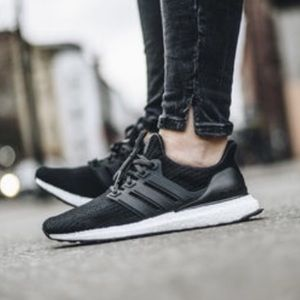 Women's Adidas UltraBoost Running Shoe size 8.5